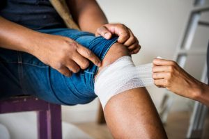 Bandaging Knee